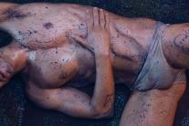 """CONEJO 01 """"LA CIENAGA"""" FOTOGRAFIA: NOLI PROVOSTE PRODUCCION: ESTEBAN POMAR MAQUILLAJE Y PELO: MARCELO BHANU MODELO: IÑIGO URRUTIA"""