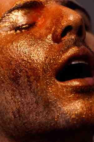 "CONEJO 01 ""COLOR IN"" FOTOGRAFIA: NOLI POVOSTEE ESTILISMO: CONI ROJAS MAQUILLAJE Y PELO: MARCELO MODELO: DIEGO -WLM- ESTUDIO MATANGA"